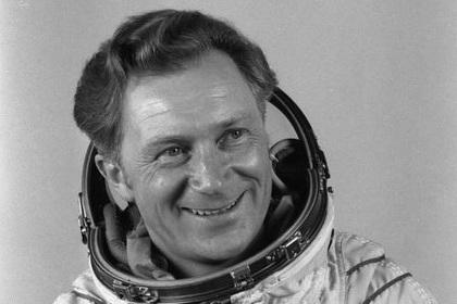 Умер первый немецкий космонавт
