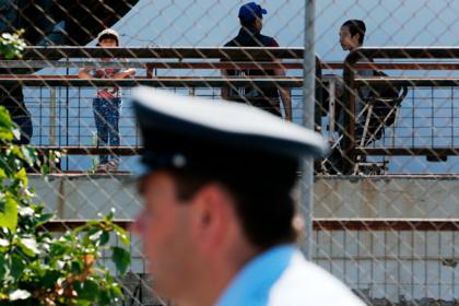 Мигранты притворились украинской командой и попались