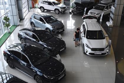 Россиян предупредили о скором взлете цен на машины