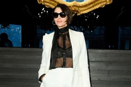 Моника Беллуччи вышла в свет в прозрачном нижнем белье