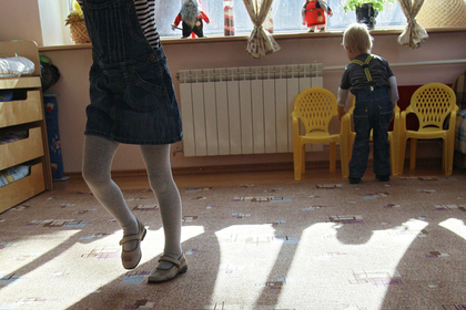 В российском детском саду детей укладывали спать на пол и заразили коклюшем