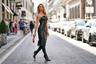 Американская топ-модель Жасмин Сандерс по прозвищу Золотая Барби решила, что кукольности с нее довольно, и облачилась в кожаное платье и шпильки, достойные настоящей доминатрикс.