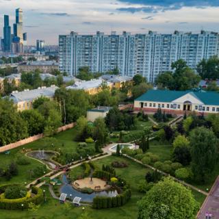 Территория пансиона воспитанниц Минобороны РФ