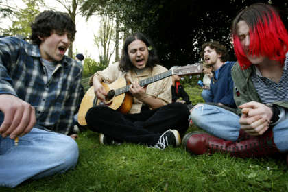 Песни Queen и Nirvana внезапно исключили из культурного норматива школьника