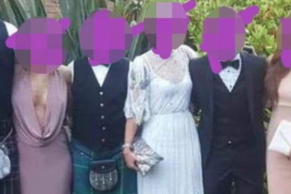 Гостья пришла на свадьбу с декольте до пупка и была обругана