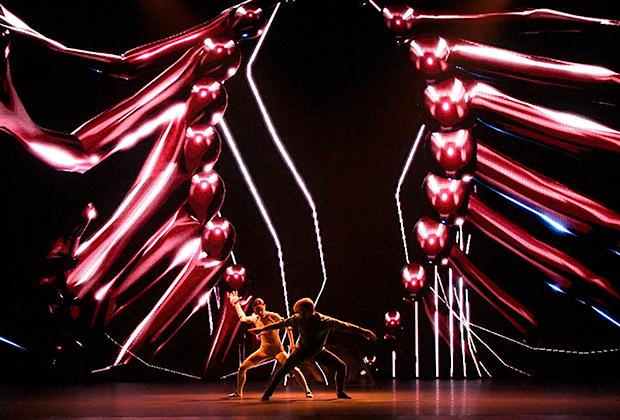 «Сны Спящей красавицы». Танцуют Диана Вишнева, Марайн Радемакер и аватар