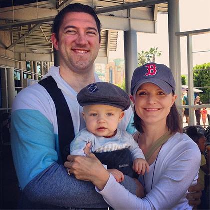 Семья Трейт с первым ребенком