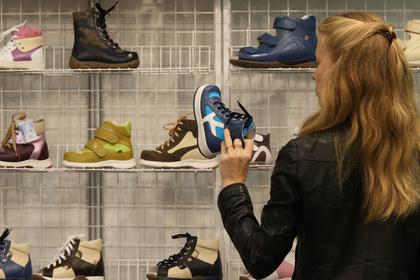 Треть кроссовок на ногах россиян оказались подделками