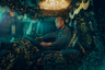 Салоны грузовиков некоторых японских дальнобойщиков похожи на настоящее произведение искусства. Украшенные тканями с ярким орнаментом, ультрафиолетовыми огнями, дополнительными фарами, они напоминают персонажей фантастического фильма. Такая креативность в оформлении машин присуща тем, кто принадлежит к субкультуре под названием «декотора». Она появилась после выхода в 70-х годах прошлого века серии фильмов «Водители грузовиков», герой которого рассекал по стране на необычайно ярко украшенном грузовом автомобиле.