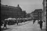 Торговые ряды недалеко от здания оперного театра. Львов (Лемберг), Западная Украина, 1941-1942 годы.