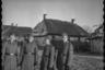 Полицейские тайной полевой полицииТретьего рейха в западноукраинском селе, 1941-1942 годы.