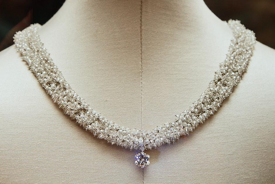 Грейс Келли даже спустя 30 лет после смерти оставалась иконой стиля. Так, в 2012 году компания Montblanc выпустила коллекцию украшений в честь княгини