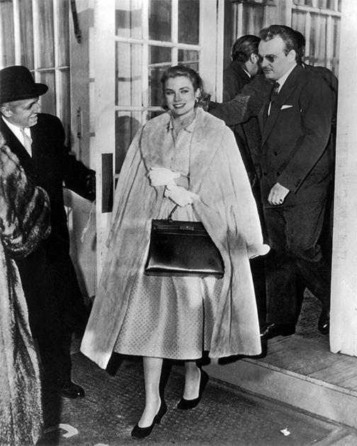 Грейс Келли и князь Монако Ренье в Филадельфии после того, как они объявили о помолвке