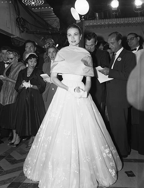 Последнее публичное появление Грейс Келли в роли актрисы прошло 21 марта 1956 года. После этого она уже посещала все официальные мероприятия в статусе княгини Монако