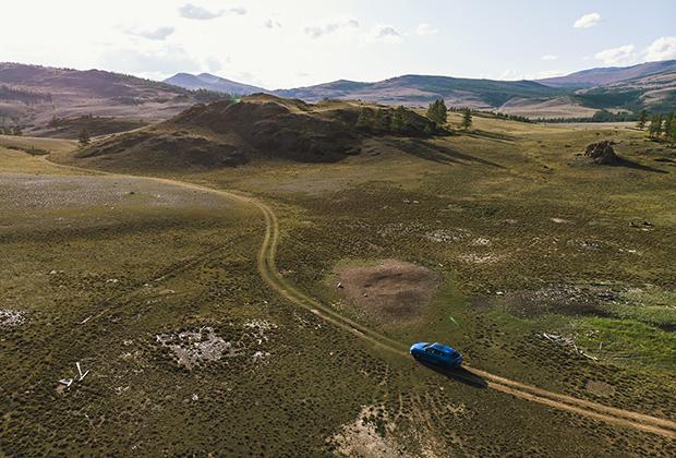 Цены на Urus стартуют с отметки в 16,5 миллиона рублей. Это один из самых дорогих внедорожников на рынке. Примерно столько же просят и за младший суперкар Huracan, а вот Aventador почти на четыре миллиона дороже.