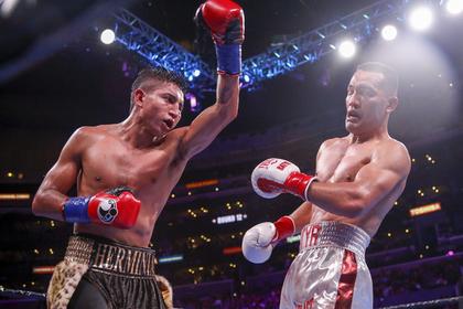 Российский боксер впервые в карьере проиграл и остался без титула чемпиона мира