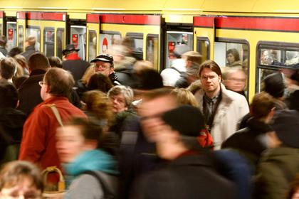 Восточные немцы остались недовольны жизнью в Германии