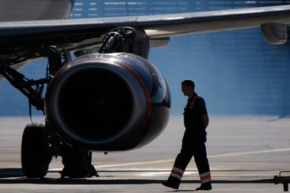 SSJ-100 выкатился за пределы посадочной полосы в России