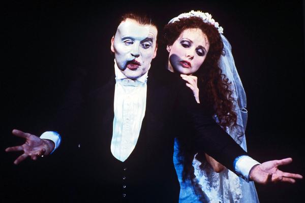 В мюзикле «Призрак Оперы»