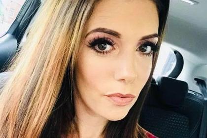 Мать двоих детей внезапно впала в кому в аэропорту во время отпуска в Турции