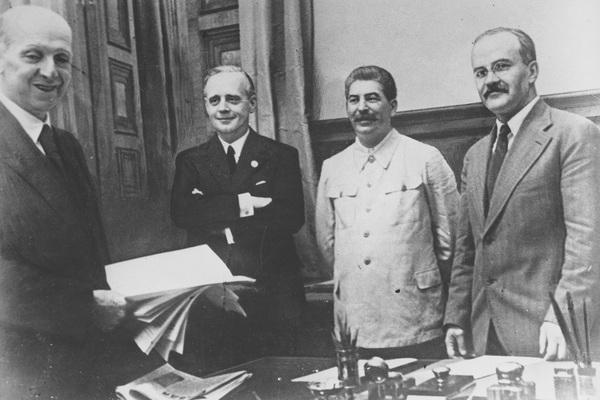«Сталин был уверен в неизбежности войны»