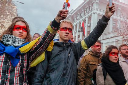 Зеленский подписал мирные соглашения по Донбассу. Почему украинцы недовольны?