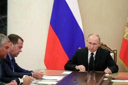 Путин обсудил с членами Совбеза обострение ситуации в Сирии