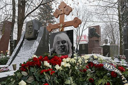 Родители Дмитрия Хворостовского продали квартиру ради памятника сыну