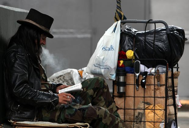 Бездомный на улицах Сан-Франциско