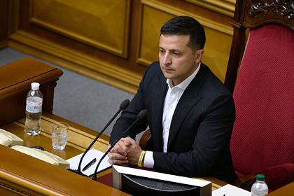 Зеленский пригрозил всем украинским министрам увольнением