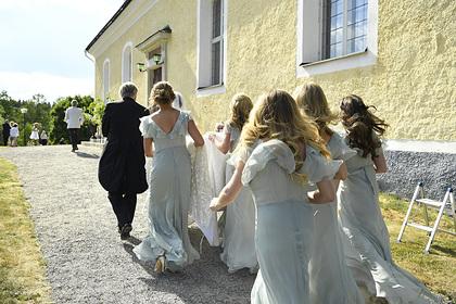 Священник случайно поженил шафера и подругу невесты