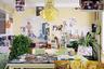 Проживающий в Чикаго Гуанью Сю (Guanyu Xu) вернулся в родной дом ради нового проекта. Для этого он приехал в столицу Китая— Пекин. Автор визуализировал воспоминания о месте, где провел детство и юность, с помощью множества фотографий и плакатов. Местом для этого «коллажа» стал обеденный зал его семьи.