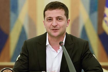Зеленский назвал странным отсутствие авиасообщения между Россией и Украиной