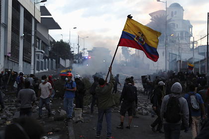 В Эквадоре ввели комендантский час