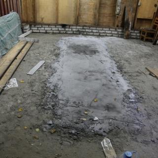 Мужчина бетон набор крепости бетона