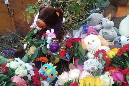 Цветы для убитой в Саратове девочки пришлось перевозить грузовиком
