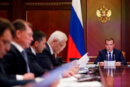 Медведев заинтересовался причинами роста смертности от сердечных заболеваний
