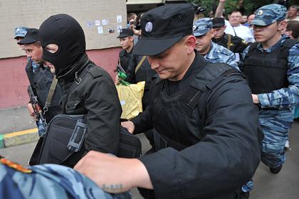 Следователи пришли с обысками по делу ФБК в 30 регионов России