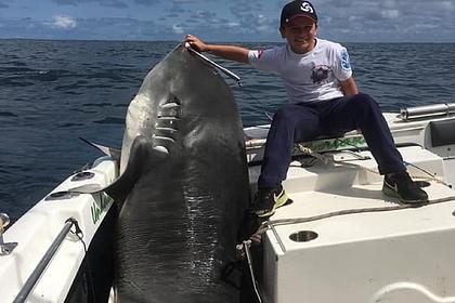 Восьмилетний рыбак поймал смертоносную акулу весом 314 килограммов