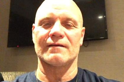 Тренер впавшего в кому после нокаута боксера обратился к его сопернику