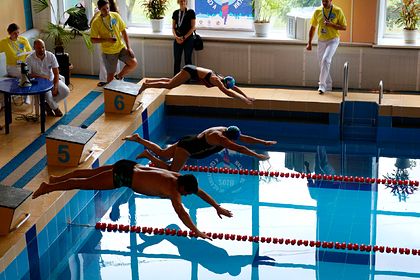 Пожилые россияне посоревнуются в плавании