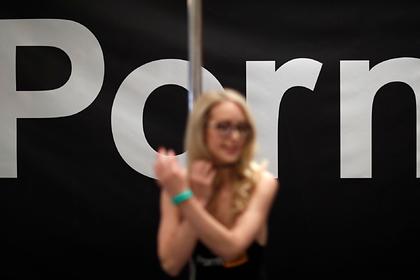 Pornhub стер канал обманом снимавшей девушек в порно студии