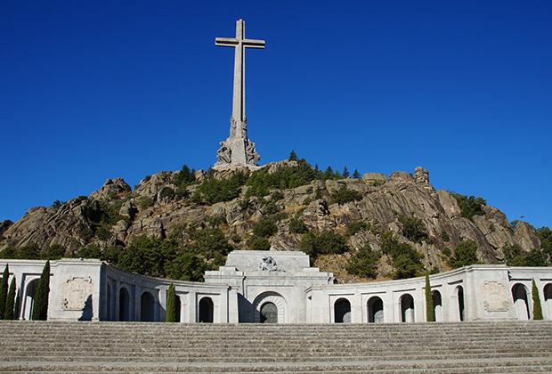 Долина Павших — мемориал в память обо всех участниках гражданской войны в Испании.