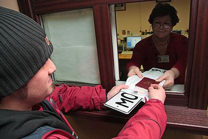 Россиянам запретят ездить на новых автомобилях без номеров