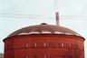 В здании крупнейшего старинного газгольдера России, построенного на набережной Обводного канала, ныне работает Планетарий №1 с диаметром купола 37 метров.<br><br>Его открыли в 2017 году, но не без приключений: почти сразу после открытия планетарий пришлось закрыть по техническим причинам. Неполадки, правда, быстро устранили. Газгольдер является объектом культурного наследия федерального и регионального значения. Прежде он был одной из построек газового завода Общества столичного освещения.