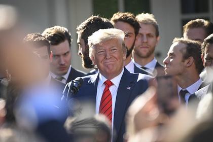 Конгресс США отложил голосование по импичменту Трампа