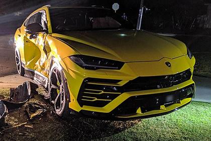 Подросток угнал машину, попытался удрать от полиции и разбил чужой Lamborghini