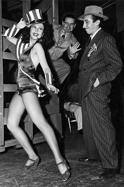 Танцовщица Энн Миллер, 1943