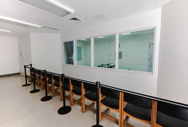 Комната, из которой наблюдают за казнью смертельной инъекцией в одной из тюрем в США