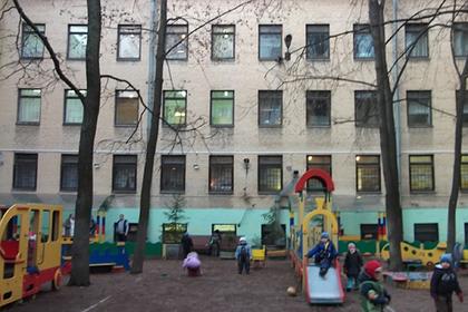 Родители обвинили двух воспитательниц из Петербурга в избиении детей